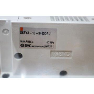Mehrfachanschlussplatte SS5Y3-10-34050AU mit SY3300-5U1 und 3x SYA00-5U1